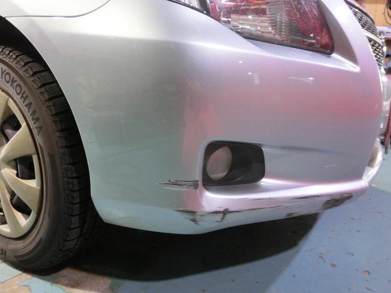 カローラのバンパー修理