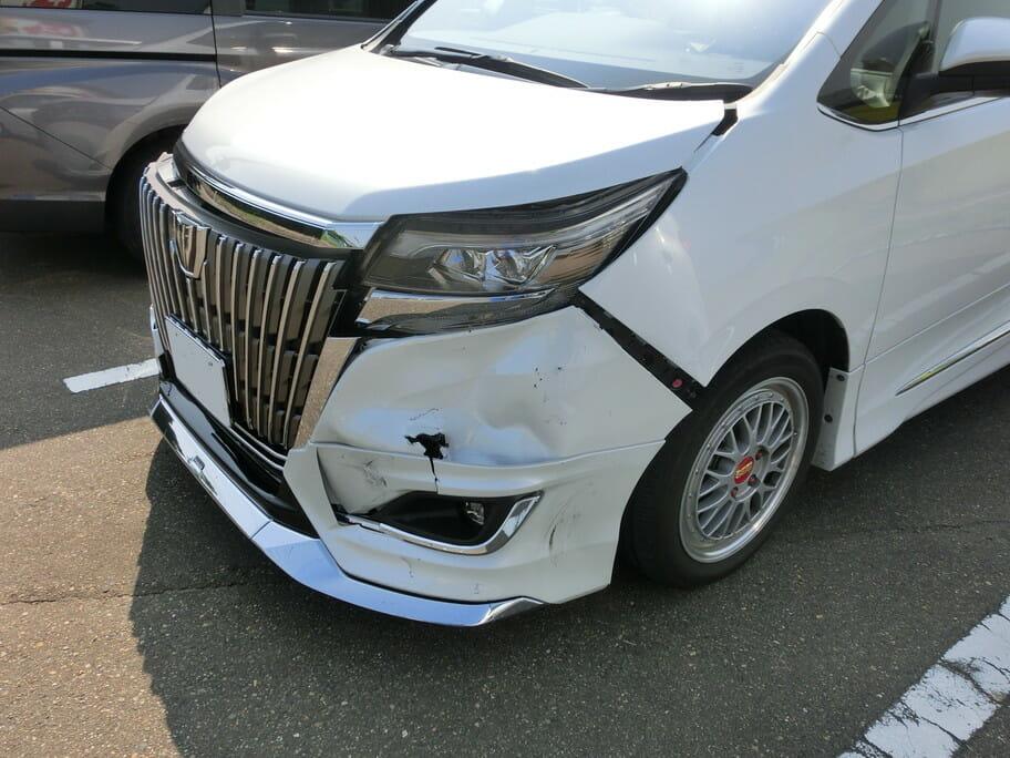 事故歴車と自動ブレーキのリスク
