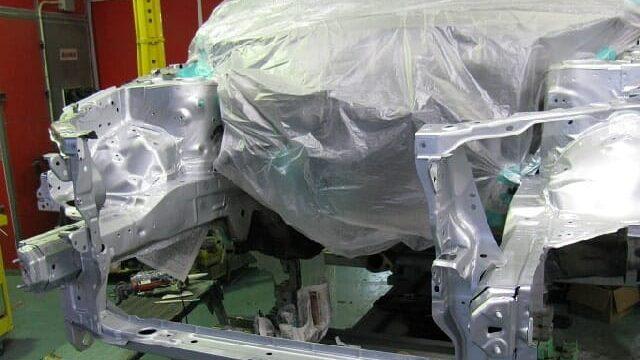 車体のフレーム修正機(グローバルジグ)